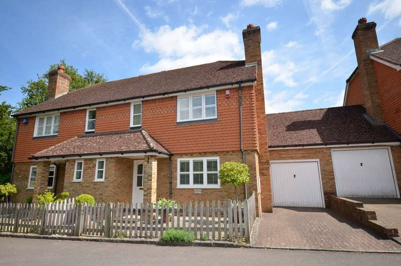3 Bedrooms Semi Detached House for sale in Bramley
