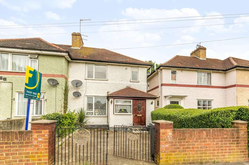 3 Bedrooms Semi Detached House for sale in Ruskin Avenue, Feltham, TW14