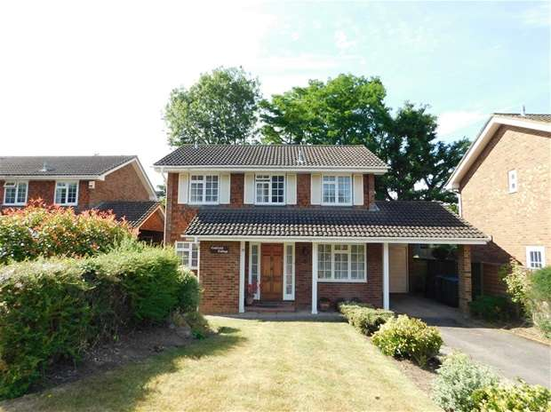 4 Bedrooms Detached House for sale in Malcolm Drive, Surbiton