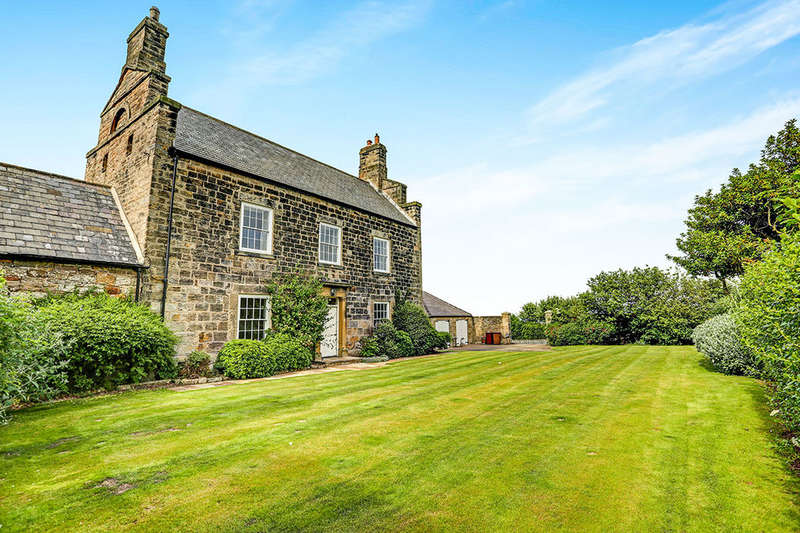 5 Bedrooms Detached House for sale in Lookout Farm House The Avenue, Seaton Sluice, WHITLEY BAY, NE26