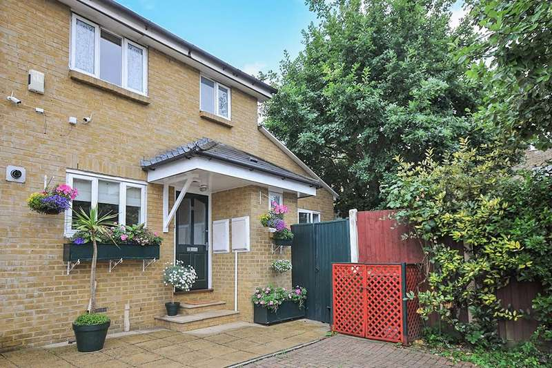 5 Bedrooms Semi Detached House for sale in Avenue Park Road, London, SE27