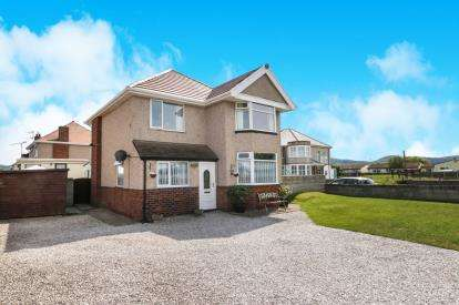3 Bedrooms Detached House for sale in Towyn Road, Abergele, Conwy, North Wales, LL22