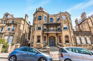 2 Bedrooms Flat for sale in Second Avenue, Hove, East Sussex