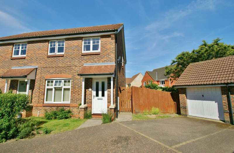 3 Bedrooms Semi Detached House for sale in Webb Drive, Rackheath