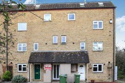 2 Bedrooms Maisonette Flat for sale in Toftland, Orton Malborne, Peterborough, Cambridgeshire