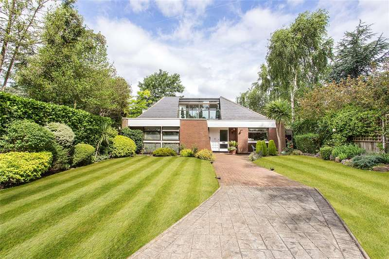 3 Bedrooms Detached Bungalow for sale in Hartsbourne Avenue, Bushey Heath, Hertfordshire, WD23