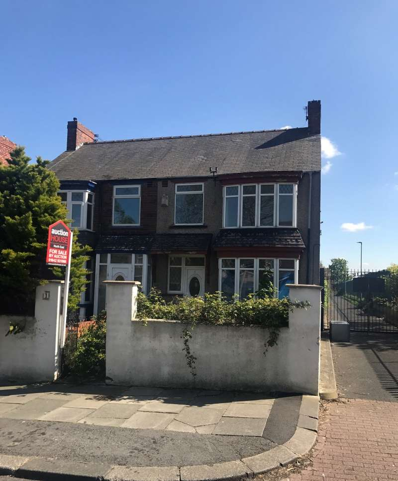 3 Bedrooms Semi Detached House for sale in Breckon Hill Road, Middlesbrough, Cleveland, TS4 2DS