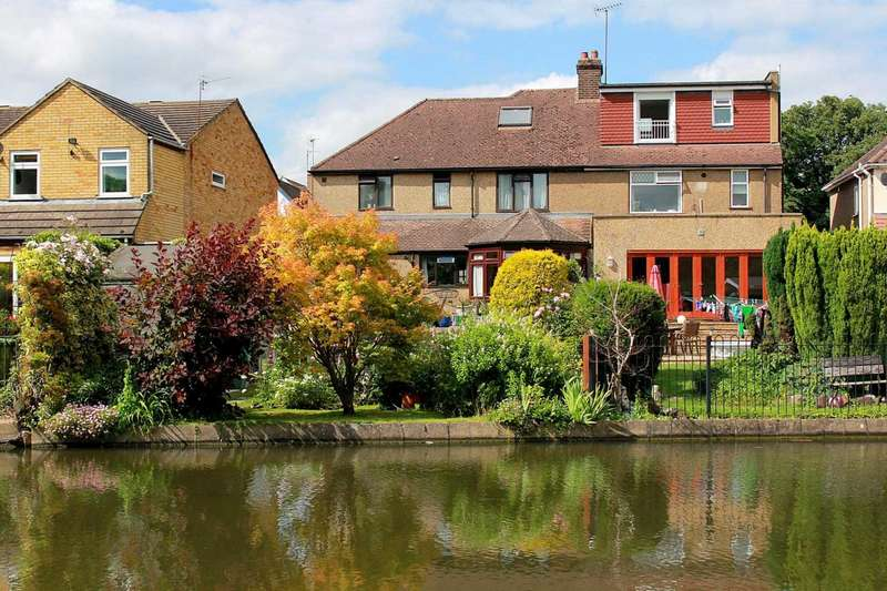 3 Bedrooms Semi Detached House for sale in 4 BED - WATERSIDE LOCATION AND OVER 1600 SQ FT IN BOXMOOR, HP1