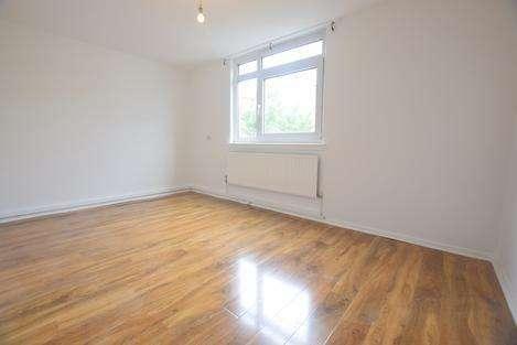 1 Bedroom Flat for sale in Flaxman Road, London SE5