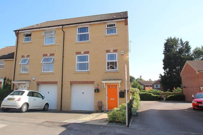 4 Bedrooms Semi Detached House for sale in Sunlight Gardens, Fareham