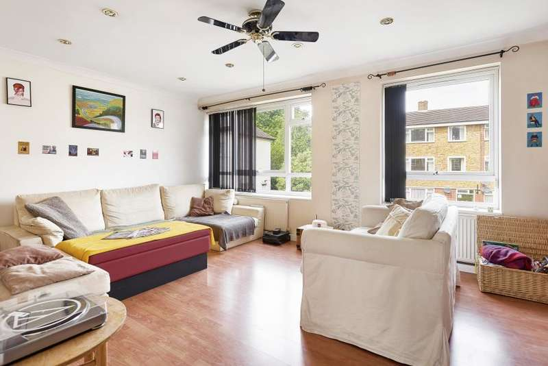 3 Bedrooms Flat for sale in Clarence Avenue, SW4, London