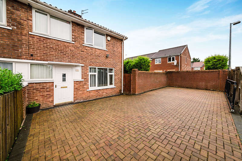 3 Bedrooms Semi Detached House for sale in Wildbrook Road, Little Hulton, Manchester, M38