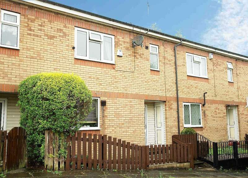 3 Bedrooms Town House for sale in 53 Scafell Close, Higginshaw, Oldham