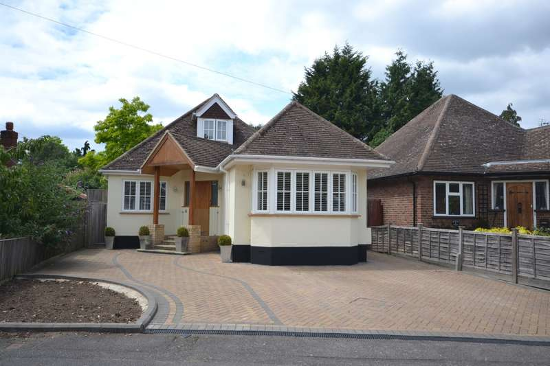 4 Bedrooms Detached Bungalow for sale in Weybridge
