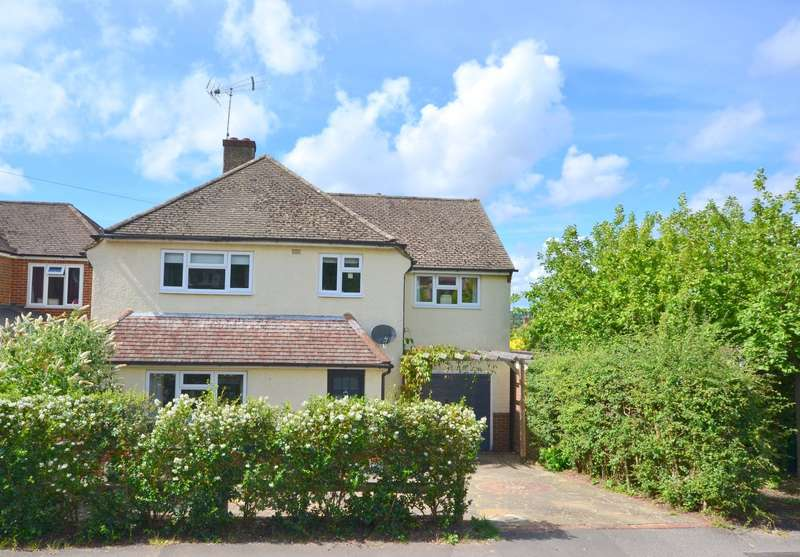 4 Bedrooms Detached House for sale in South Farnham