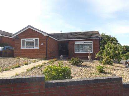 2 Bedrooms Bungalow for sale in Sheringham, Norfolk