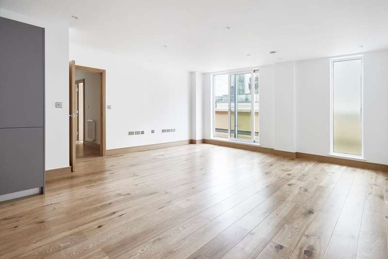 2 Bedrooms Flat for sale in Fusion Building, Sclater Street, E1