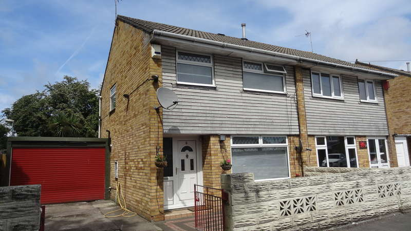 3 Bedrooms Semi Detached House for sale in Norwood Crescent, BARRY