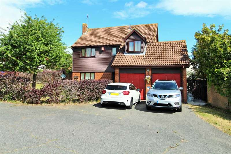 4 Bedrooms Detached House for sale in Longridge, Colchester