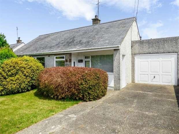 3 Bedrooms Detached Bungalow for sale in Lon Yr Eglwys, Morfa Nefyn, Pwllheli, Gwynedd