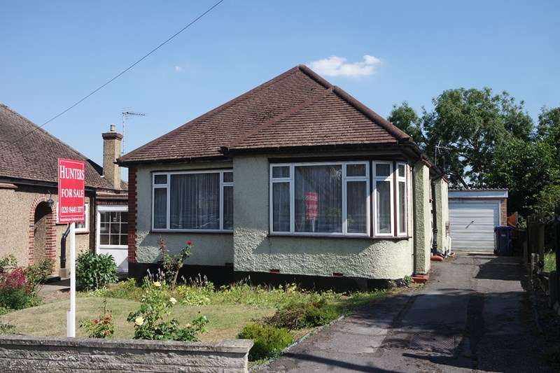 2 Bedrooms Bungalow for sale in Prospect Road, Barnet