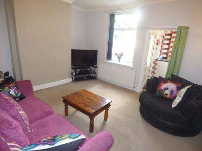2 Bedrooms Terraced House for sale in Snowden Street, Burnley, Lancashire
