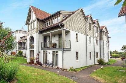 3 Bedrooms Flat for sale in Weymouth, Dorset, Weymouth