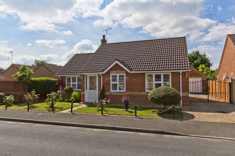 3 Bedrooms Detached Bungalow for sale in Goldfinch Way, Watton