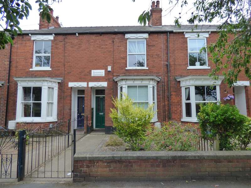 2 Bedrooms Terraced House for sale in Grovehill Road, Beverley, HU17 0HP