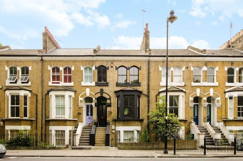 2 Bedrooms Maisonette Flat for rent in Old Ford Road, Victoria Park, E3