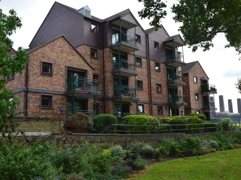 2 Bedrooms Flat for sale in Saunders Ness Road, Canary Wharf E14