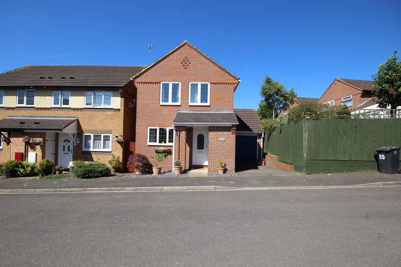 3 Bedrooms Detached House for sale in Wingate Drive, Ampthill, Bedford, MK45