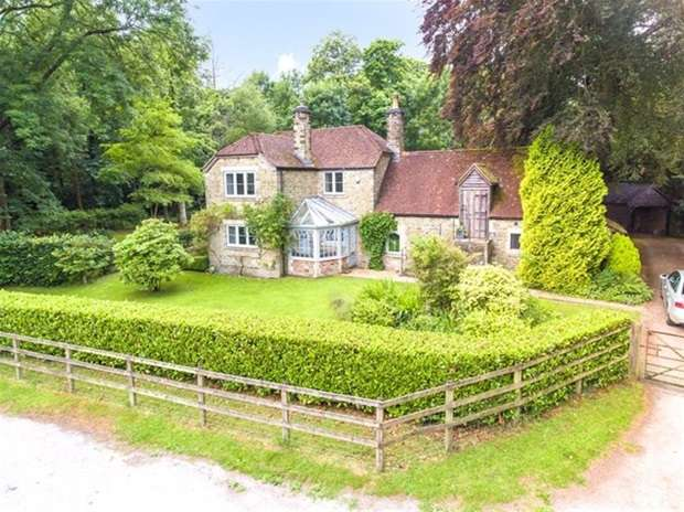 5 Bedrooms Detached House for sale in East Woodlands, Frome