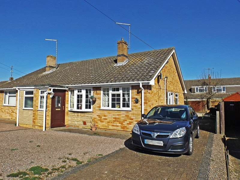 2 Bedrooms Bungalow for sale in Willoughby Avenue, Peterborough, PE6