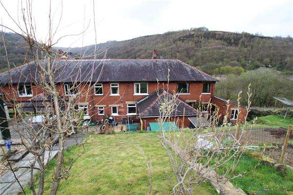 3 Bedrooms Town House for sale in Stubbing Brink, Hebden Bridge
