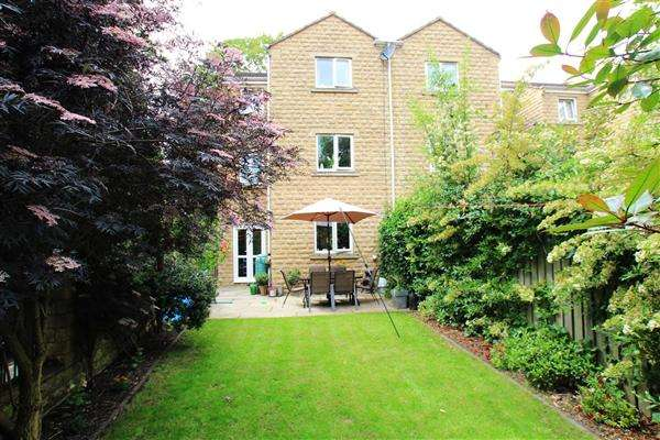 4 Bedrooms Semi Detached House for sale in Rosevale View, Sowerby Bridge
