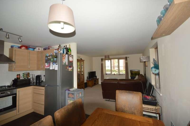 2 Bedrooms Flat for sale in Picket Twenty Way, Andover, SP11