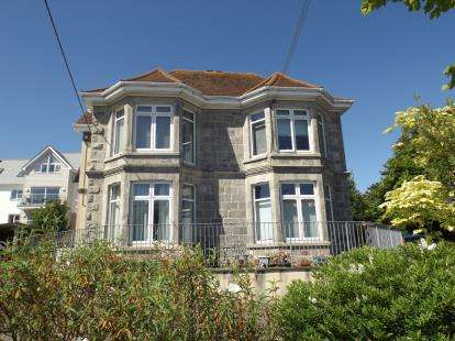 2 Bedrooms Flat for sale in 21 Alexandra Road, St. Austell, Cornwall