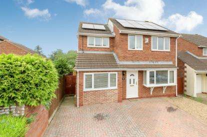 4 Bedrooms Detached House for sale in Shorham Rise, Two Mile Ash, Milton Keynes