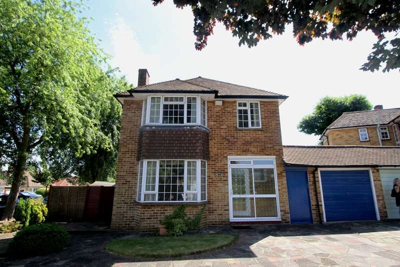 3 Bedrooms Detached House for sale in Cheyne Close, Bromley