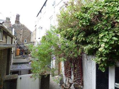 3 Bedrooms End Of Terrace House for sale in Bull Cottages, High Street, Conwy, North Wales, LL32