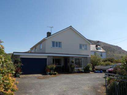 4 Bedrooms Detached House for sale in Nefyn, Pwllheli, ., Gwynedd, LL53