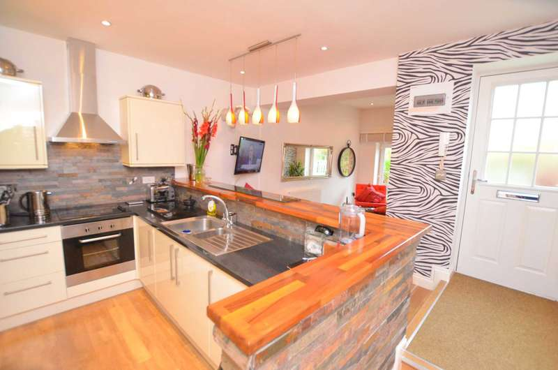 2 Bedrooms Apartment Flat for sale in Chiltern Parade, Amersham HP6