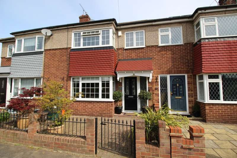 3 Bedrooms Terraced House for sale in Montayne Road, Waltham Cross, Hertfordshire, EN8