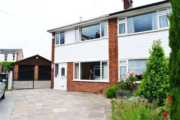 3 Bedrooms Semi Detached House for sale in Belgrave Close, Leigh