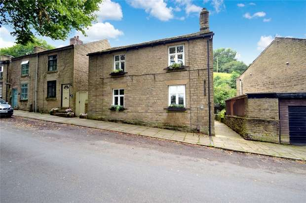 3 Bedrooms Semi Detached House for sale in Ingersley Road, Bollington, Macclesfield, Cheshire