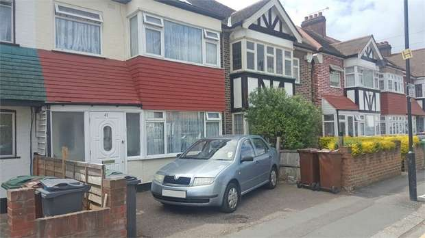 3 Bedrooms Terraced House for sale in Markmanor Avenue, London