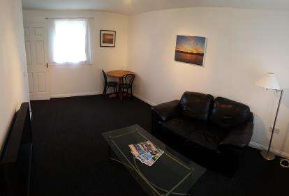 2 Bedrooms Flat for sale in Kidman Close, Romford