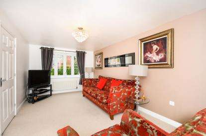 3 Bedrooms Semi Detached House for sale in Peartree Crescent, Newton-Le-Willows, Merseyside