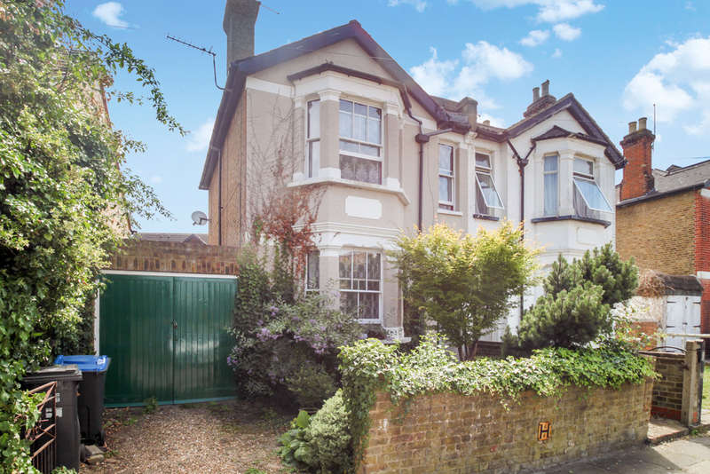 3 Bedrooms Semi Detached House for sale in Gloster Road, New Malden